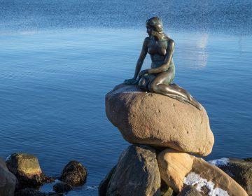 Статуя Русалочки в Копенгагене