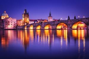 Ночная подсветка Карлова моста
