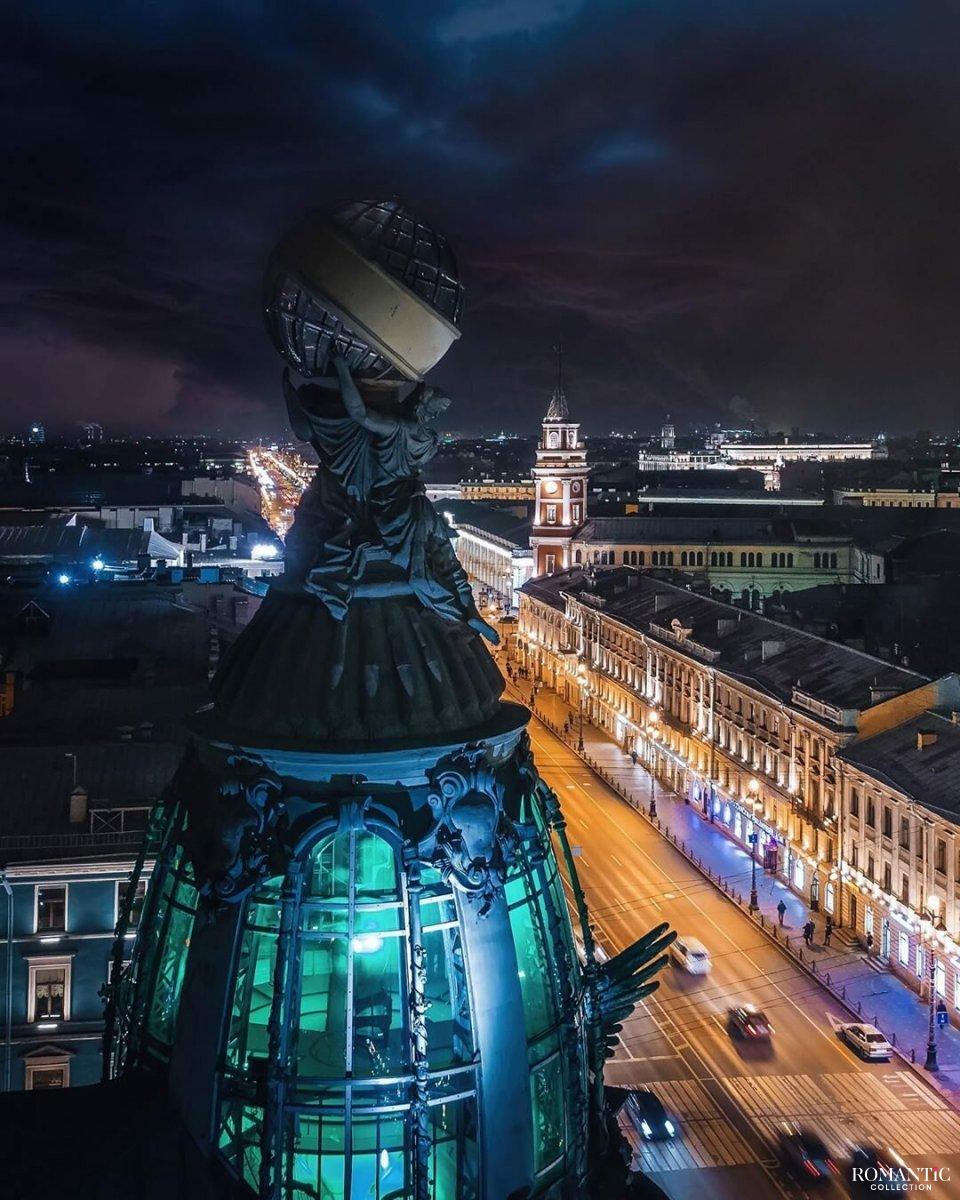 Купол Дома Зингера в Санкт-Петербурге