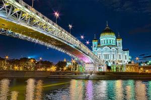 Лужков мост ночью