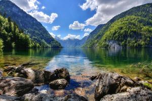 Кристальная вода озера