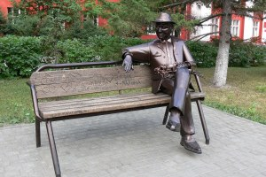 Памятник несчастному влюблённому в Барнауле