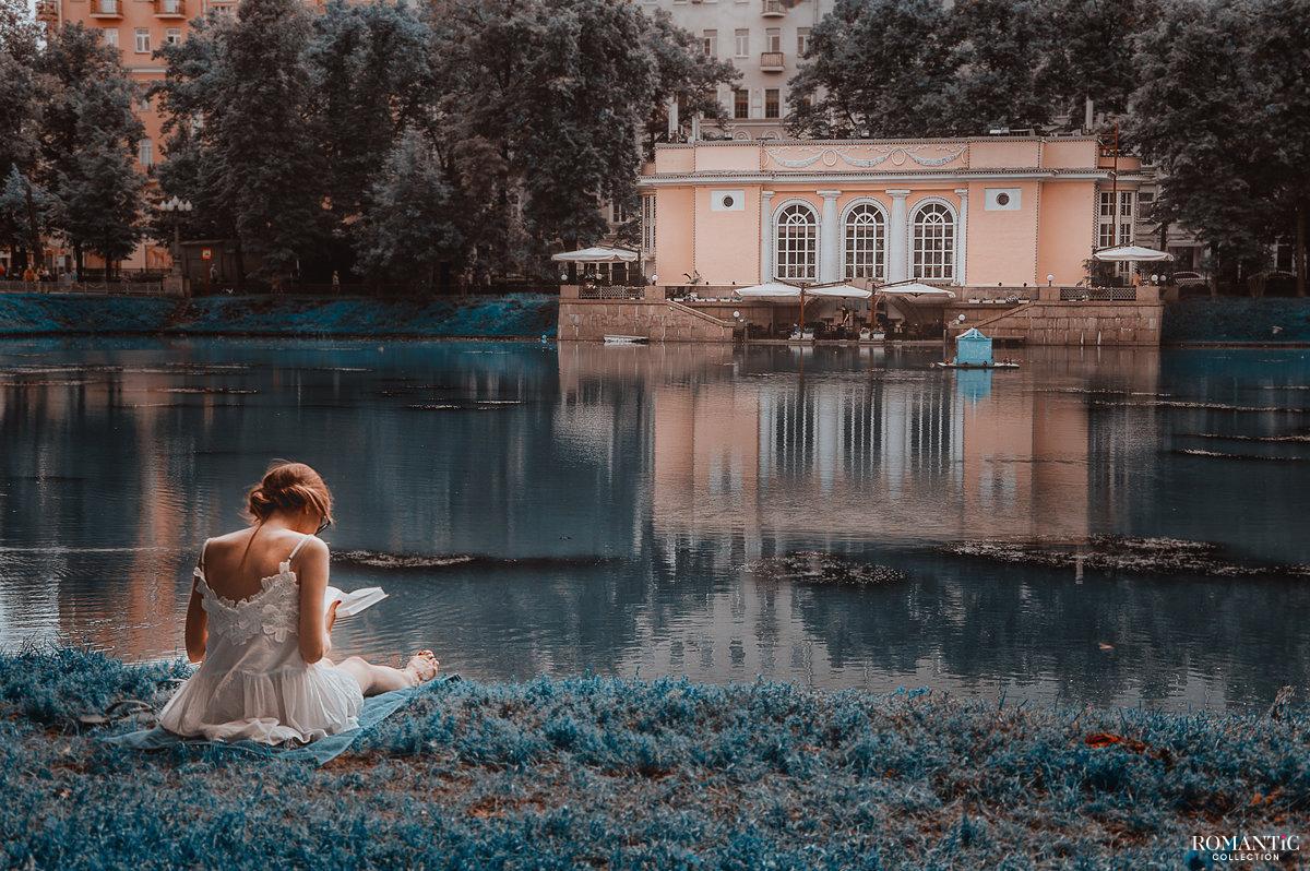 Чтение романа на Патриарших прудах