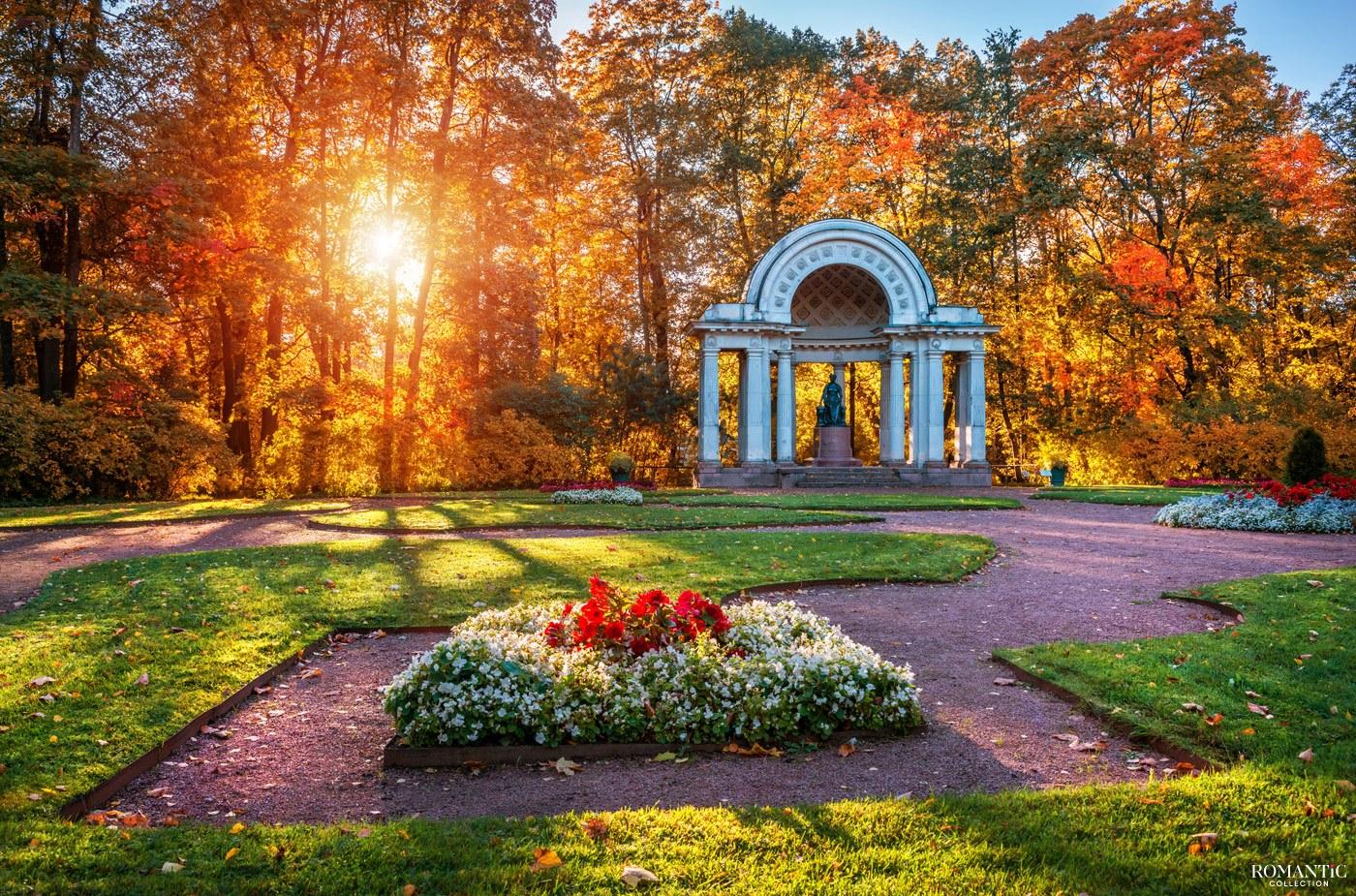 Памятник Марии Федоровне в Павловске