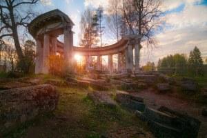 Колоннада Аполлона в Павловском парке