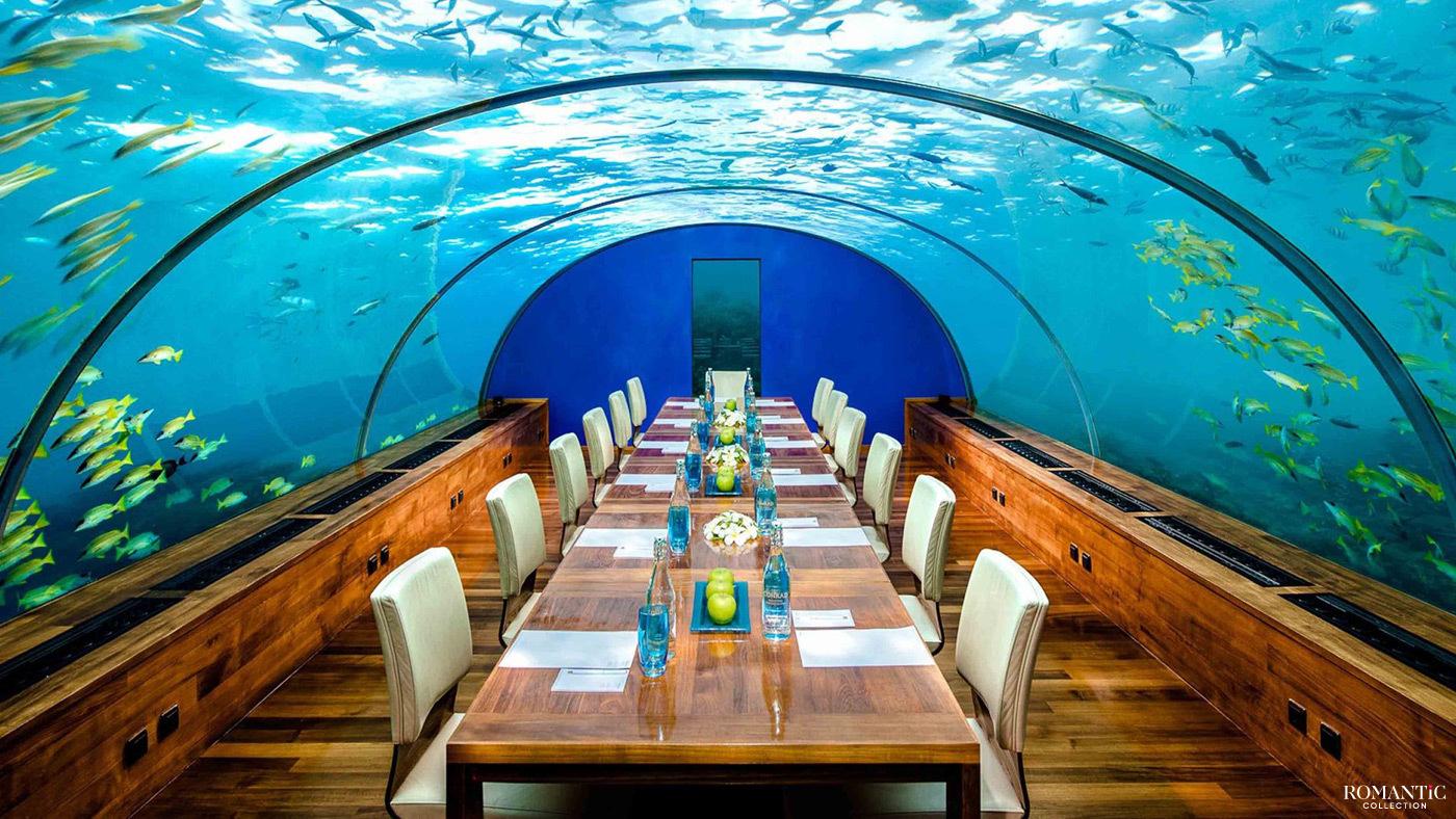 Ресторан в подводном отеле