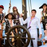 Свадьба на пиратской деревянной шхуне