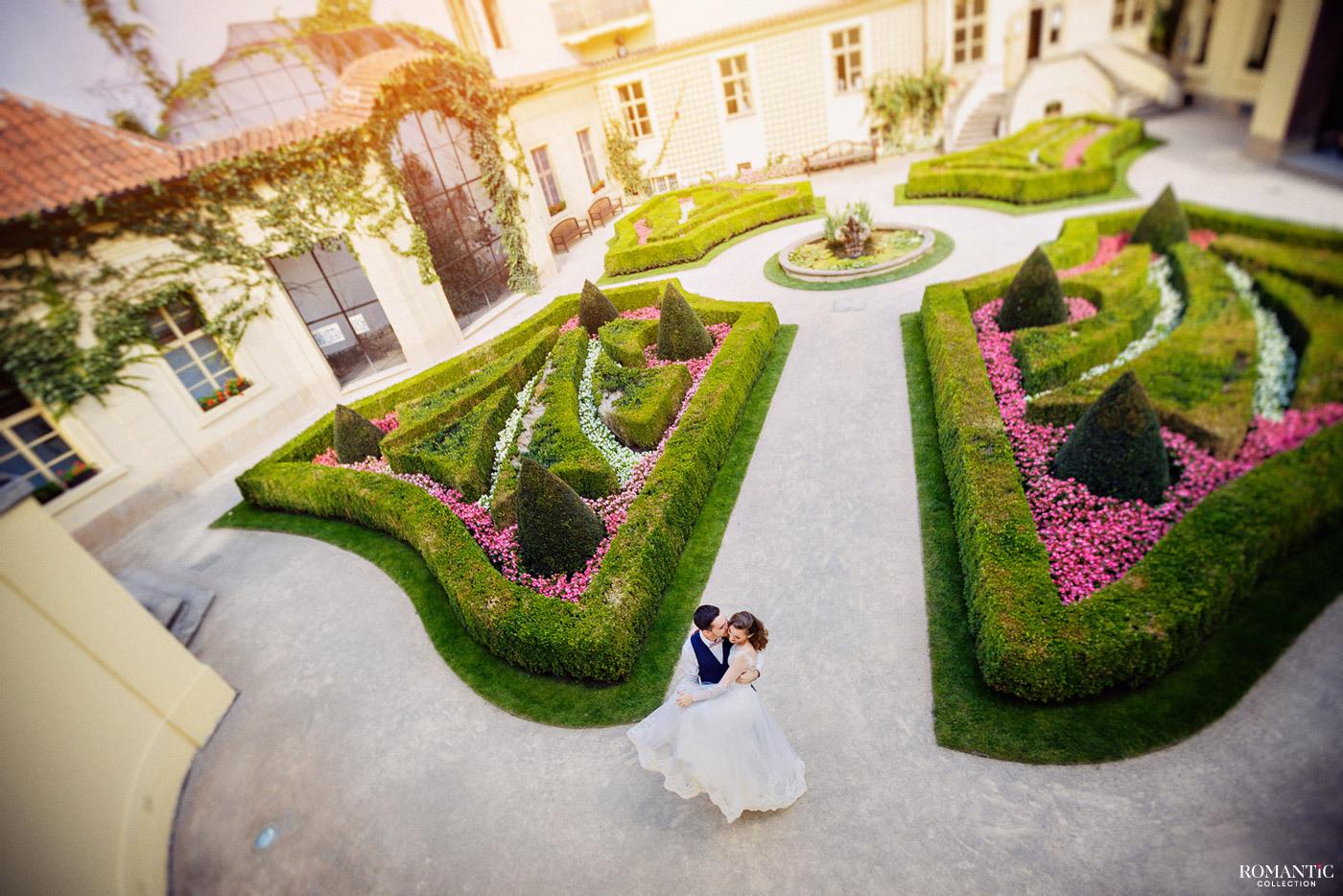 Свадьба в дворцовых садах Чехии