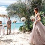 Свадебная церемония на пляже в Таиланде