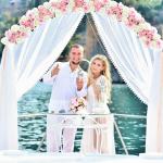 Свадьба в Анталии на белоснежной яхте