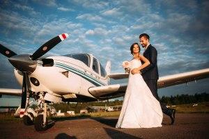 Бракосочетание на небольшом частном самолетике