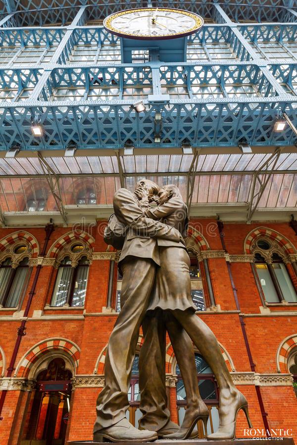 Скульптура «Место встречи»